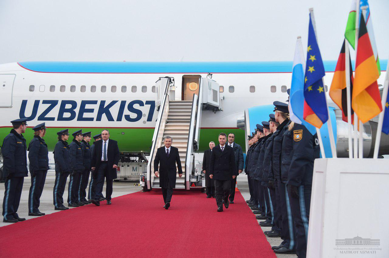 President Shavkat Mirziyoyev arrives in Munich