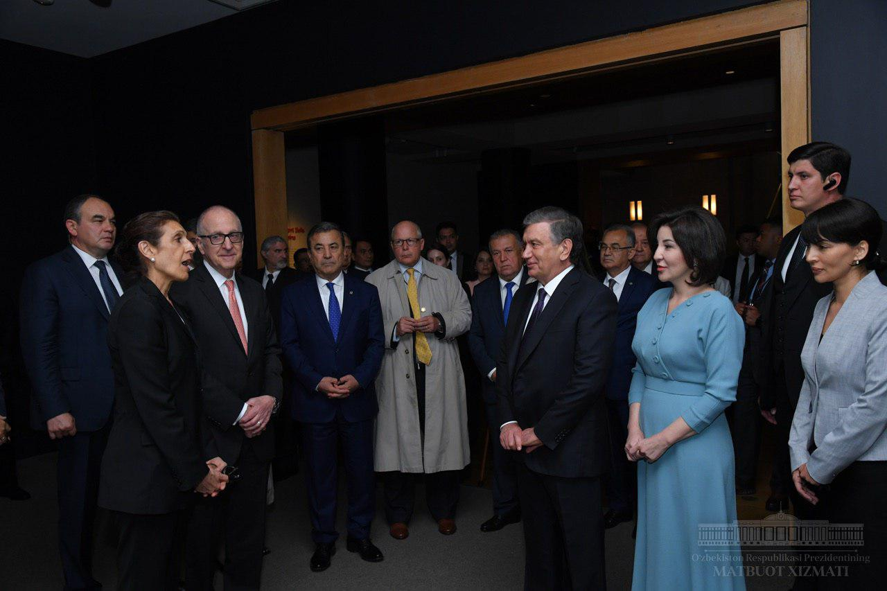 President visited the art gallery in Washington