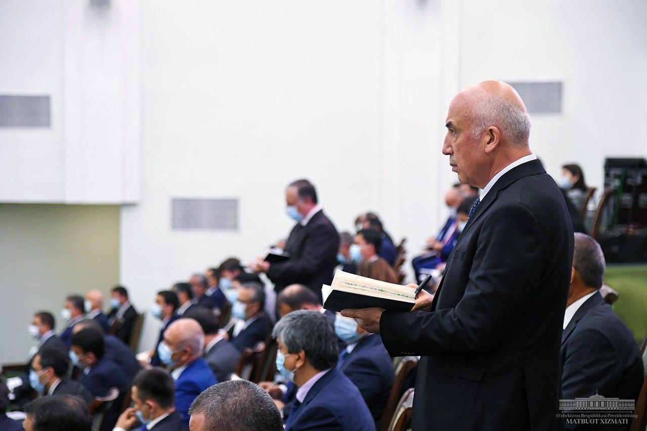 Ochilboy Ramatov va boshqa rahbarlar Shavkat Mirziyoyevga hisobot berdi (FOTO)
